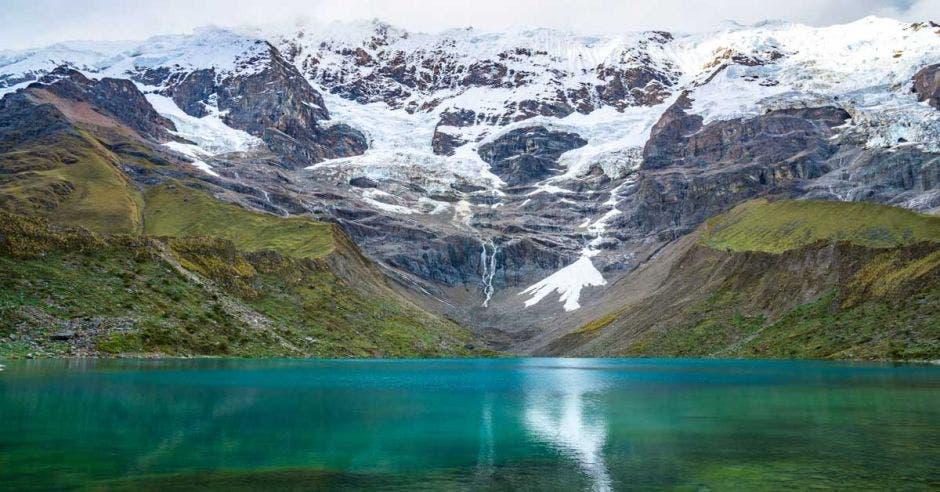 Las montañas nevadas son uno de los paisajes más apoteósicos que se pueden ver durante el recorrido