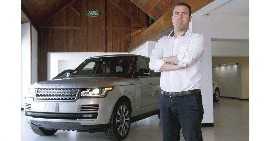 """""""Land Rover es el vehículo 4x4 premium más deseado del mercado, esta es verdaderamente una oportunidad única"""", dijo Rafael Llinares, gerente de Mercadeo de Motores Británicos."""