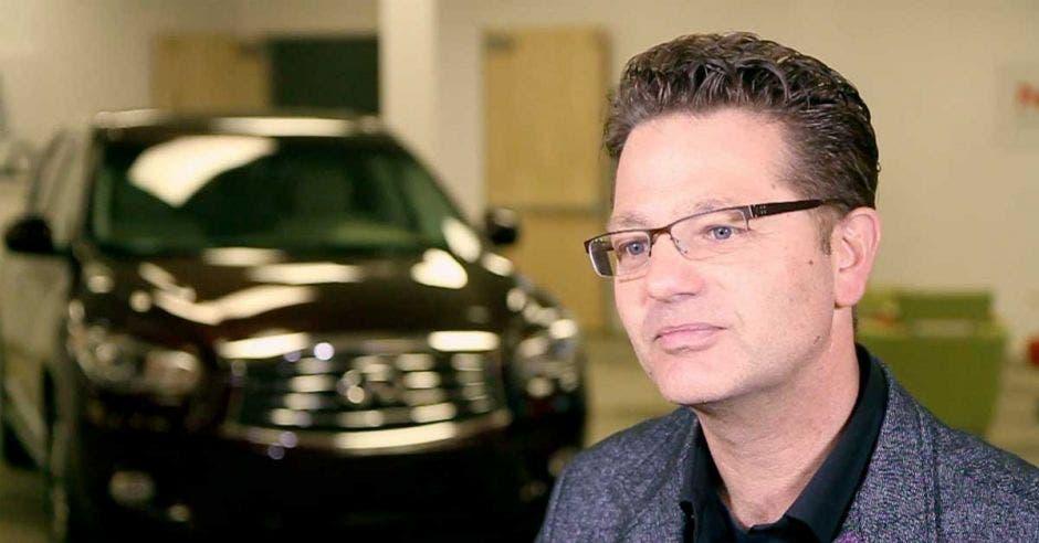 Maarten Sierhuis posa en la sede de Nissan