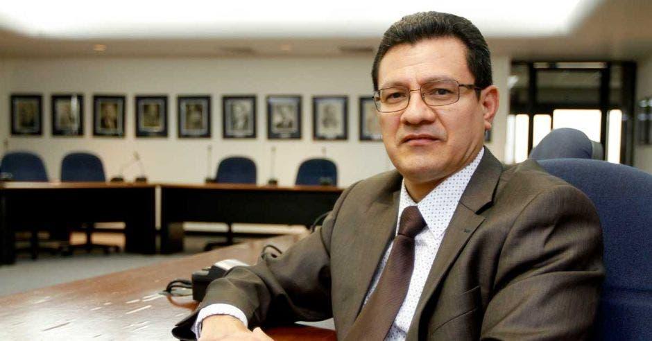 arlos Montenegro, subdirector de la Cámara de Industrias.