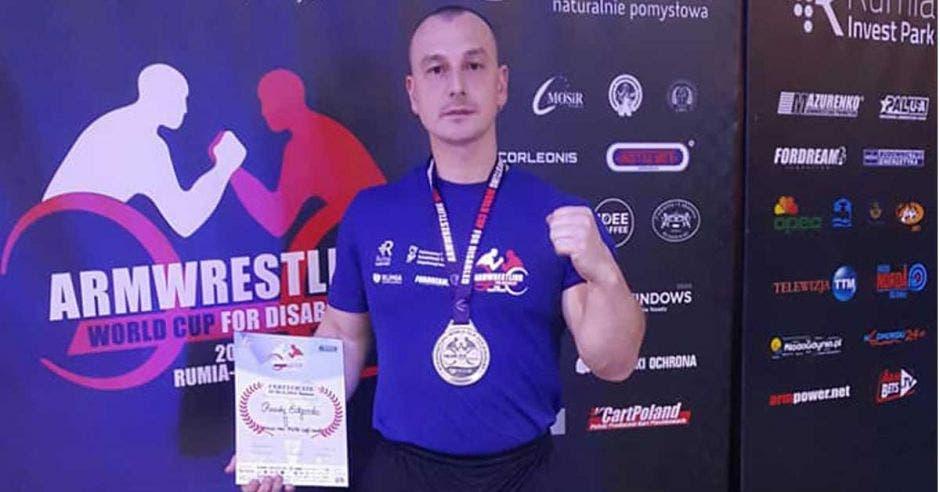 El brazo izquierdo del nacional le dio el oro en el Mundial. Facebook Federación Costarricense de Pulsos/La República