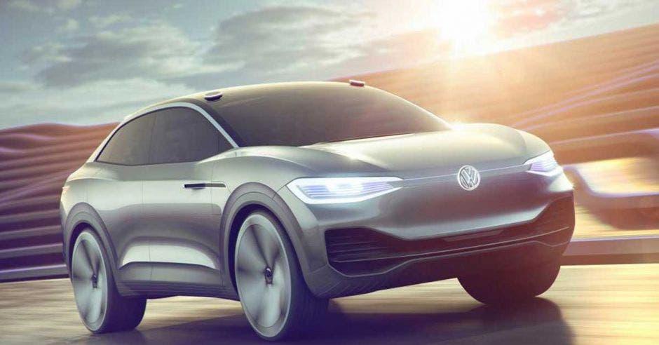 """En el futuro, todos los vehículos de Volkswagen se convertirán en centros móviles del """"Internet de las cosas"""" vinculados por Microsoft Azure. VW/La República"""