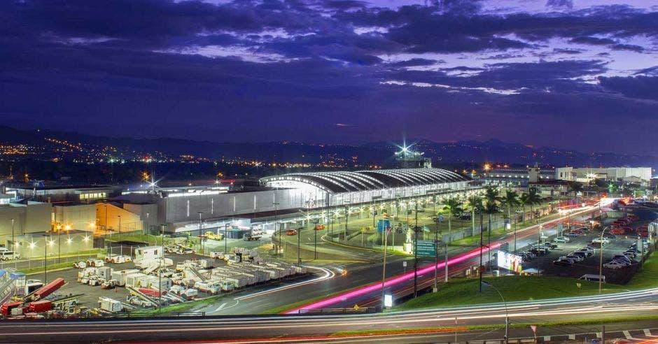 vista del aeropuerto Juan Santamaría