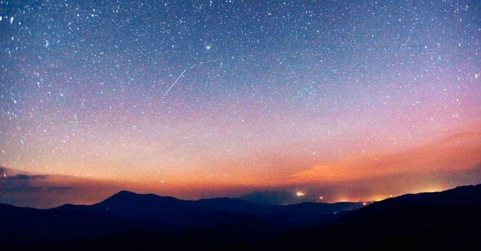A partir de las 10 p.m. del 13 de diciembre podrá disfrutar de los meteoros. Imagen con fines ilustrativos. Shutterstock/La República