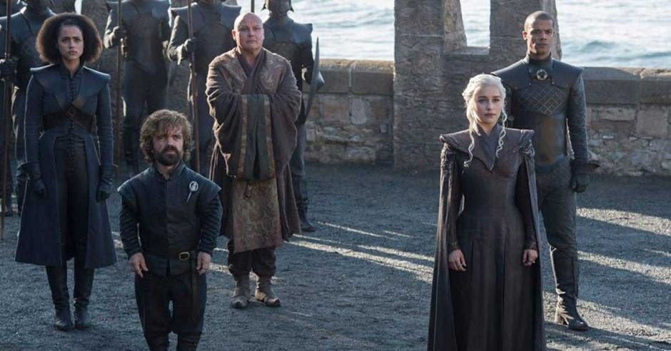 Actores de la serie Game Of Thrones recrean una escena de la serie