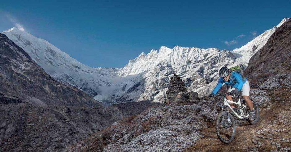 La Yak Attack es la carrera que se desarrolla a mayor altura en el mundo y recorre los Himalayas. Marathon MTB-mountaintrailbike.com/La República