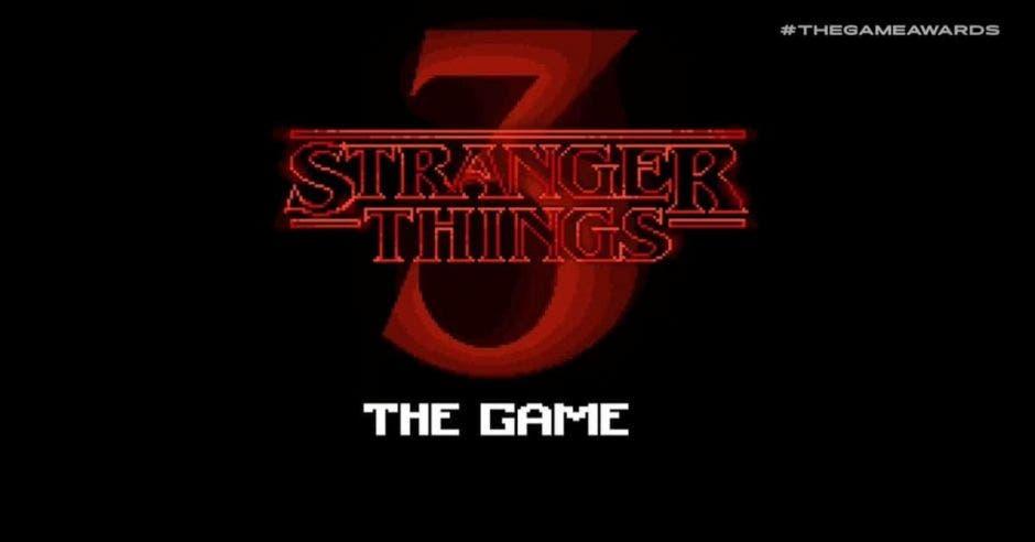 Un 3 en rojo junto a la leyenda Stranger Things, también escrita en rojo