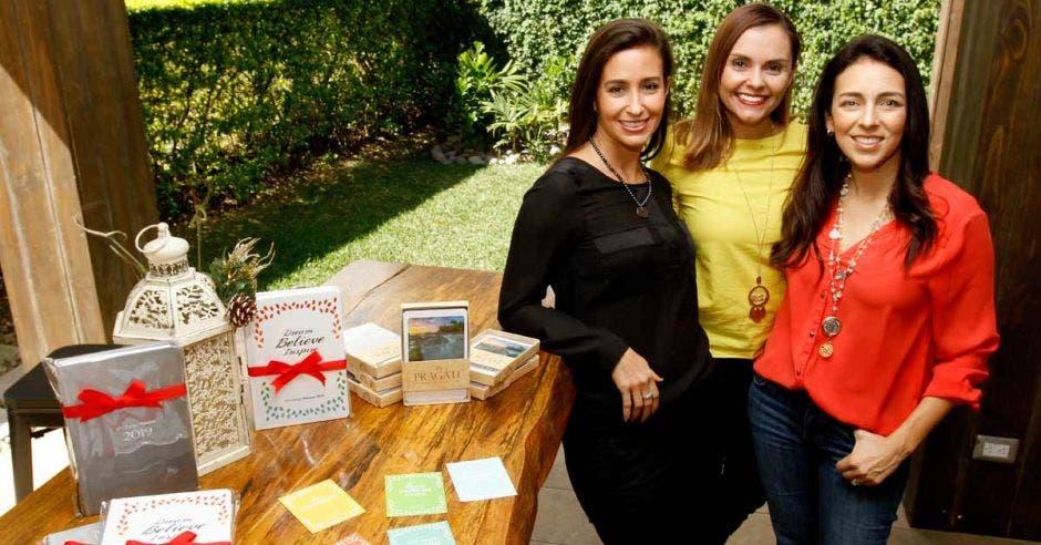 Paola Montealegre, María Isabel Chaves y Gabriela Esquivel, dueñas de Pragati.