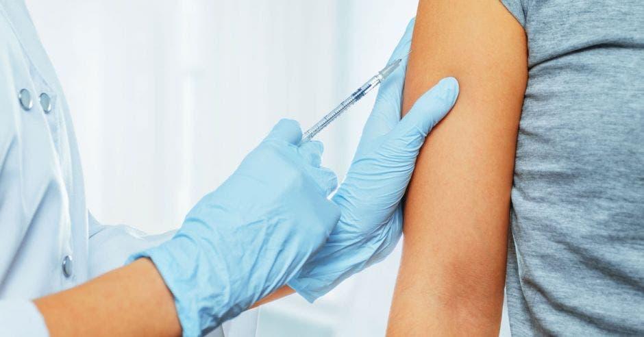 Vacuna a adolescentes
