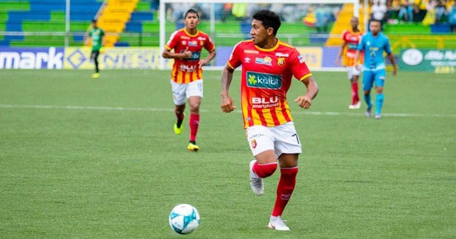 José Guillermo Ortiz perdió la brújula en el Rosabal. Foto tomada del Facebook oficial del Club Sport Herediano/La República
