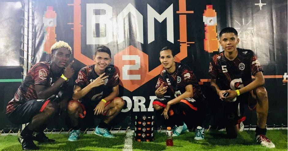 """El equipo campeón del torneo fue """"Los Chamanes"""" Cortesía/La República"""