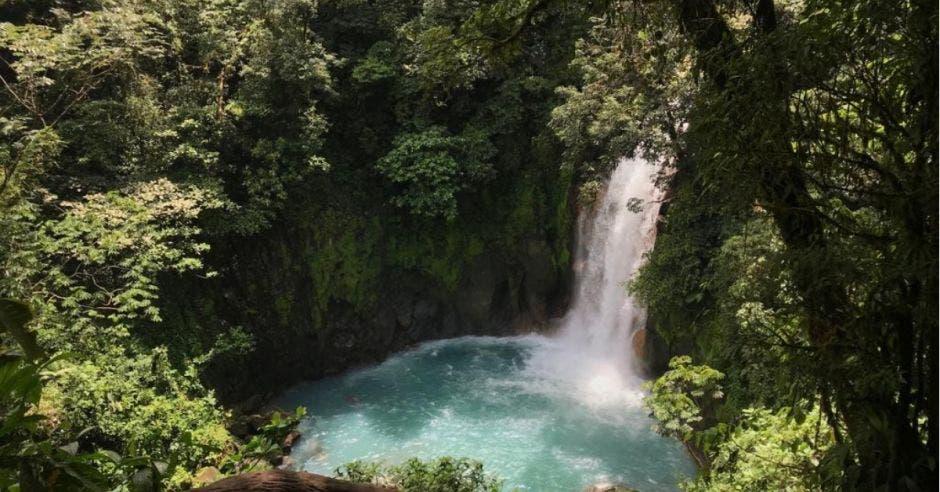 catarata de Río Celeste