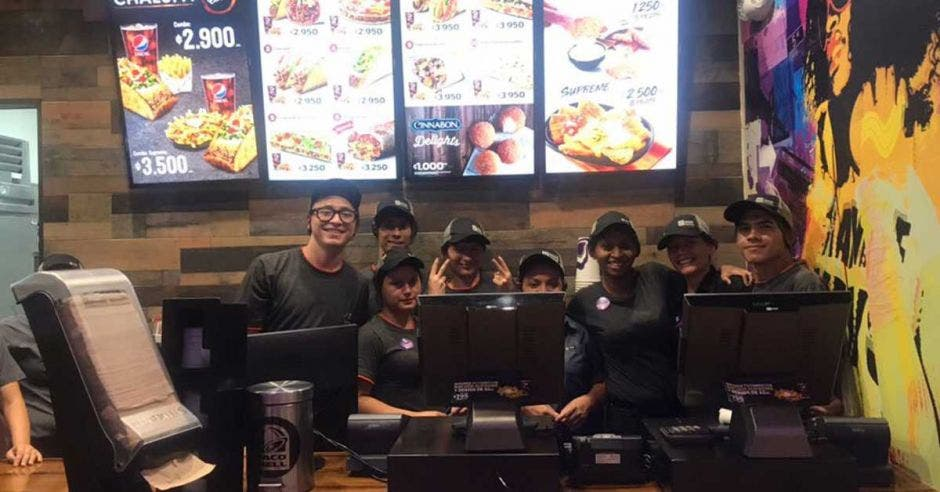 personal de Taco Bell