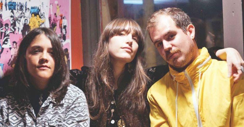 Sonya Carmona, Mercedes Oller y Fabrizio Durán forman Las Robertas