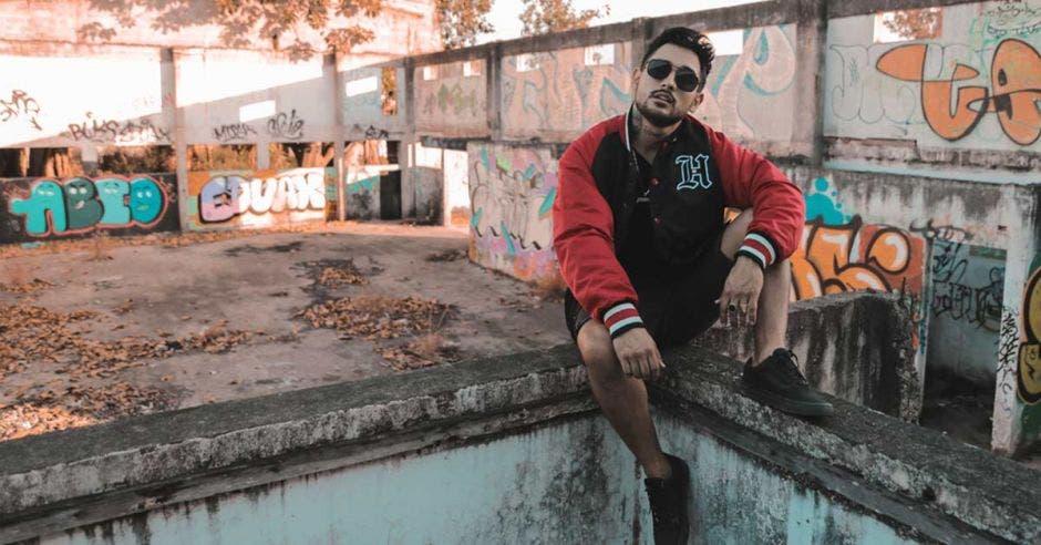 Pie de foto: El cantante nacional empezará en inicios de 2019 la producción de su primer disco en Colombia. Cortesía Dani Maro/La República.