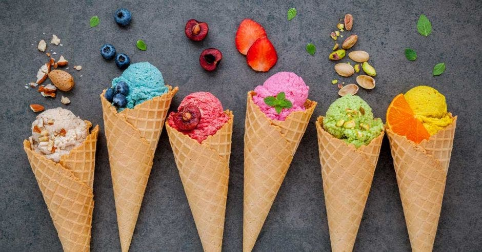 helado de diferentes colores