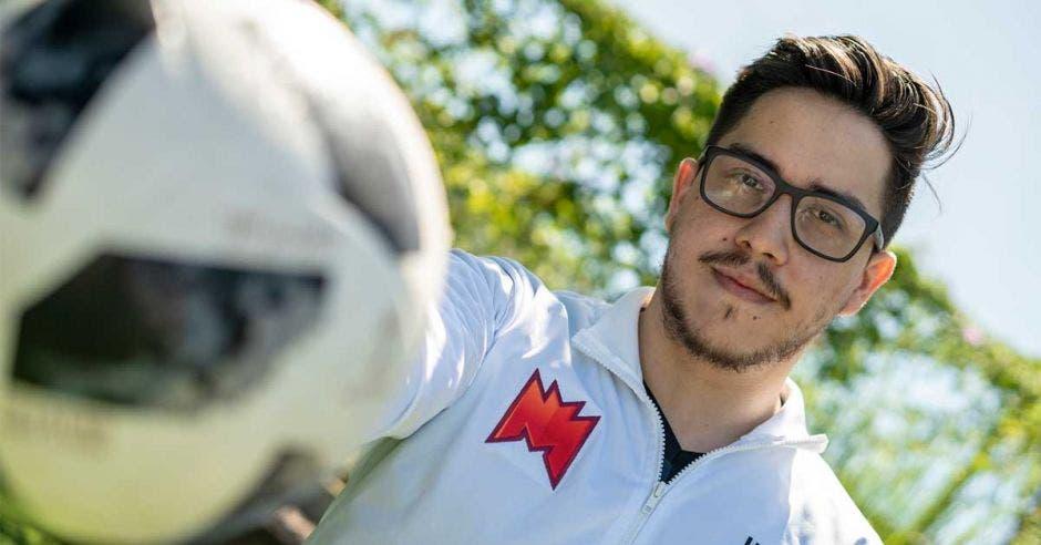 Javier Álvarez irá en representación del también equipo nacional Infinity Sports junto a Camilo Lara. Infinity/La República