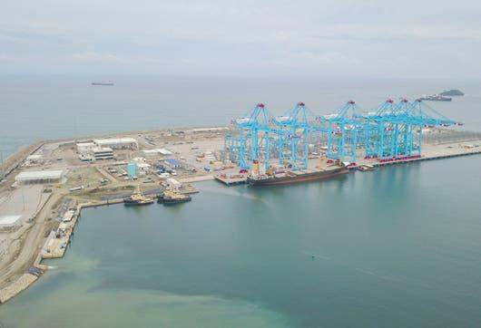 El terminal de contenedores en Moín cuenta con seis grúas especiales traídas de China.