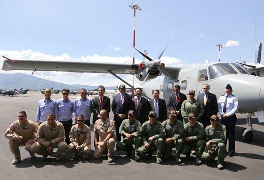 Los aviones Harbin Y12E en la base del Servicio Vigilancia Aérea en el aeropuerto Juan Santamaría.