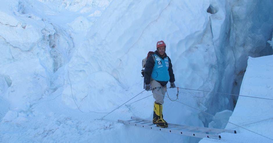 Warner Rojas fue el primer tico en subir la cima del Everest y ahora emprenderá una nueva aventura en el continente asiático. Cortesía Warner Rojas/La República