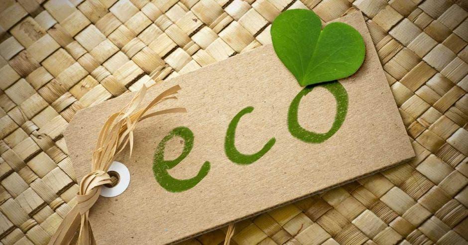 Una etiqueta con la palabra eco