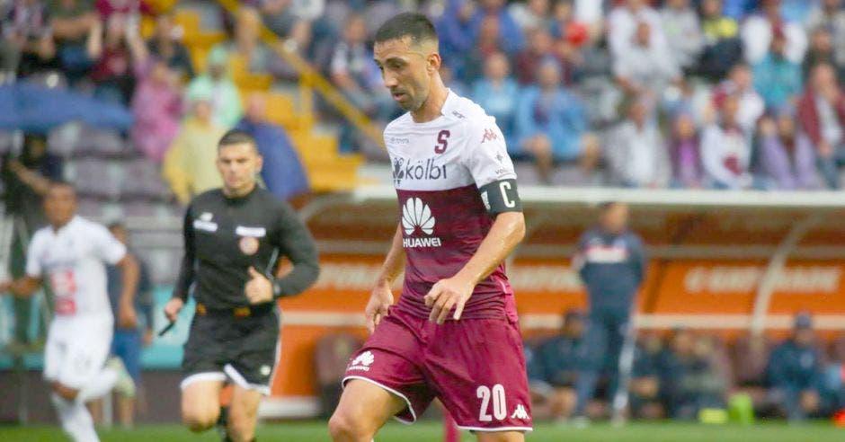 Mariano Torres, deberá imitar a Diego Estrada