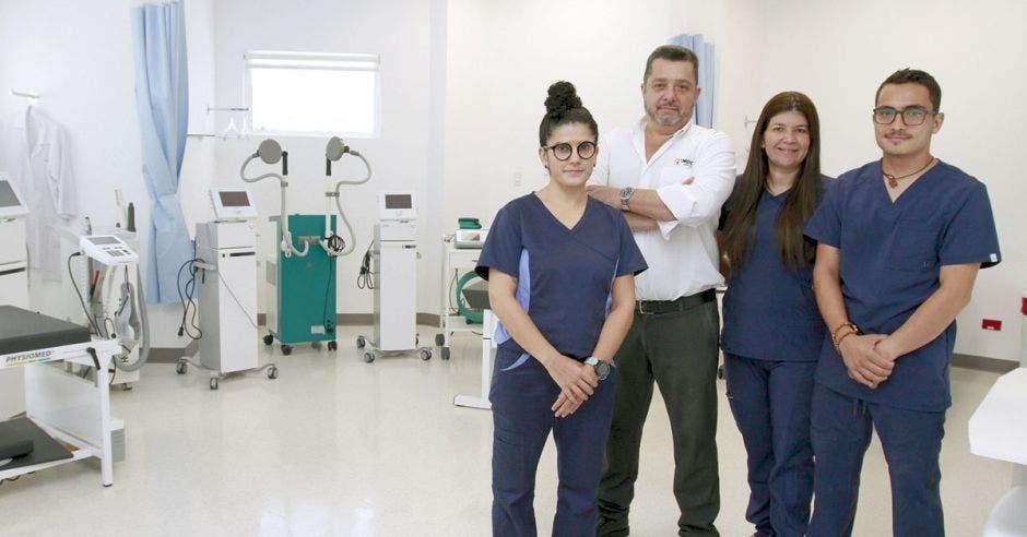 Personal de la clínica del Deporte en la sede Santa Ana del Hospital Clínica Biblica