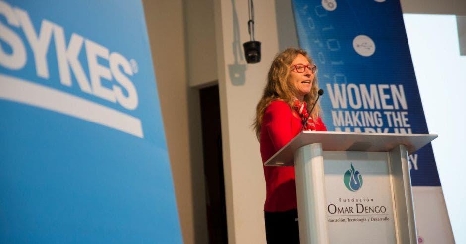 La última conferencia SWIT se realizó el 23 de noviembre en la Fundación Omar Dengo y contó con la participación de la PhD. Tanja Karp, profesora especializada en robótica de Texas Tech University, quien viajó desde Estados Unidos solamente para participar en este evento. Asistieron 200 colaboradoras de la empresa.  Cortesía SYKES