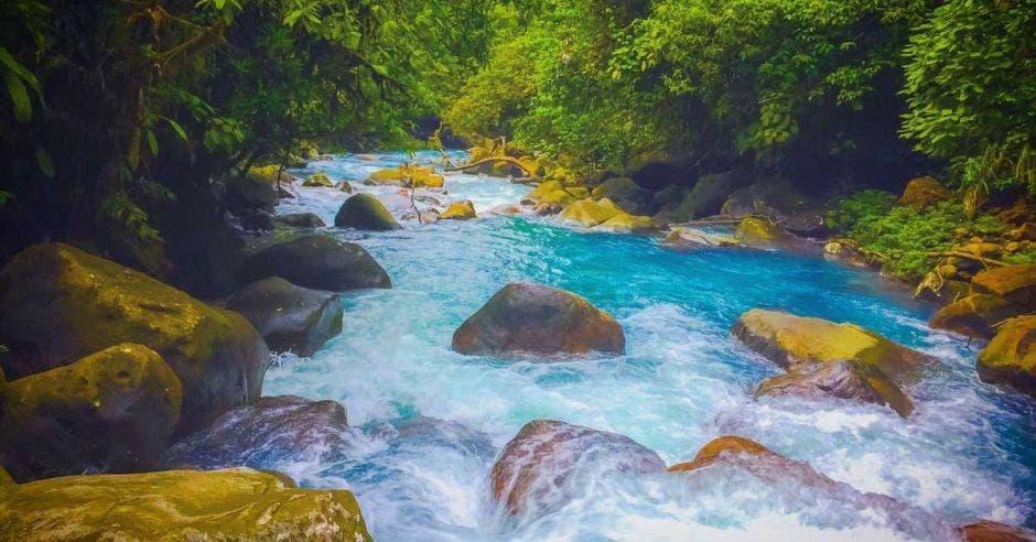 río celeste
