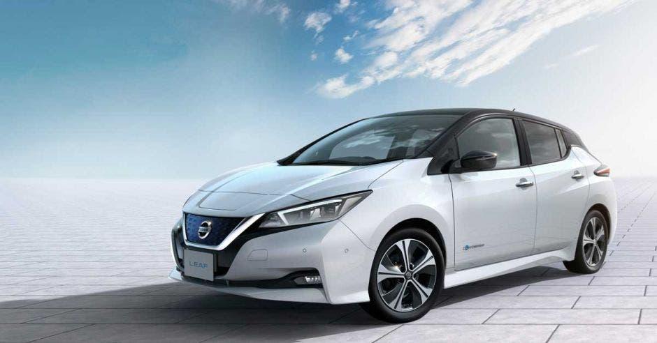 Sistema regenerativo recicla la energía y recarga la batería cada vez que levanta el pie del acelerador. Cortesía Nissan/La República