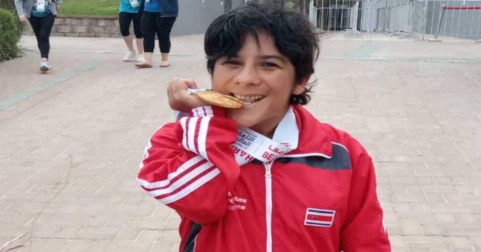 Xinia Aguilera ganó oro en 100 metros mariposa en natación. Cortesía JMVOS/La República