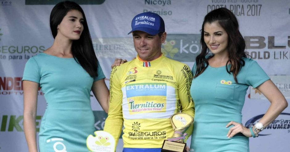 La UCI determinó una sanción hasta el 2026 para Juan Carlos Rojas. AS/La República