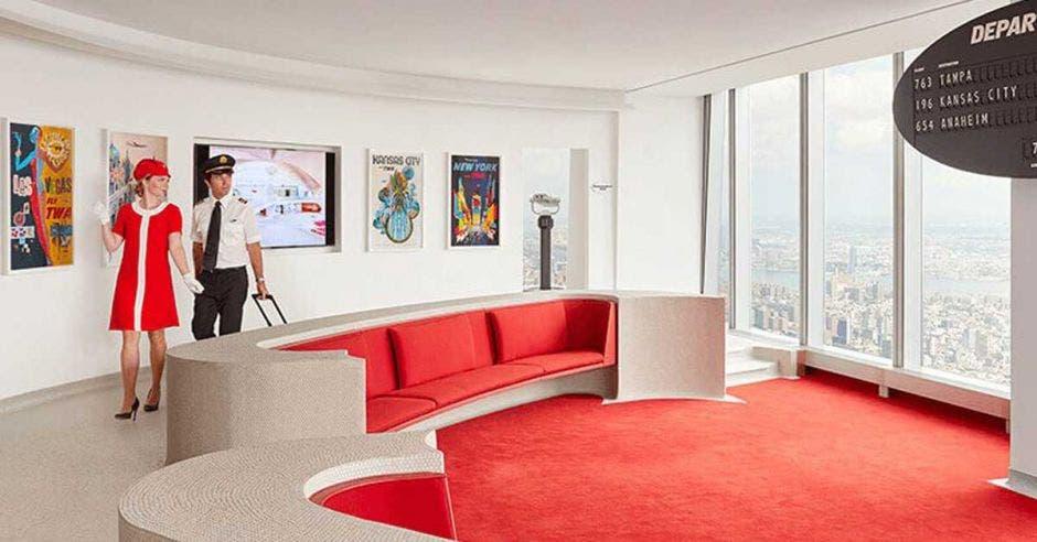 lounge con sillones rojos