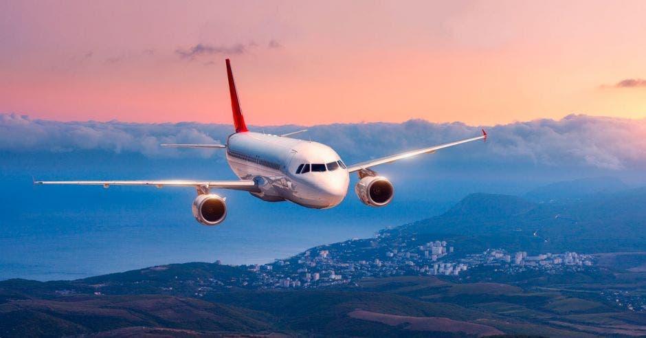 Avión en aterrizaje