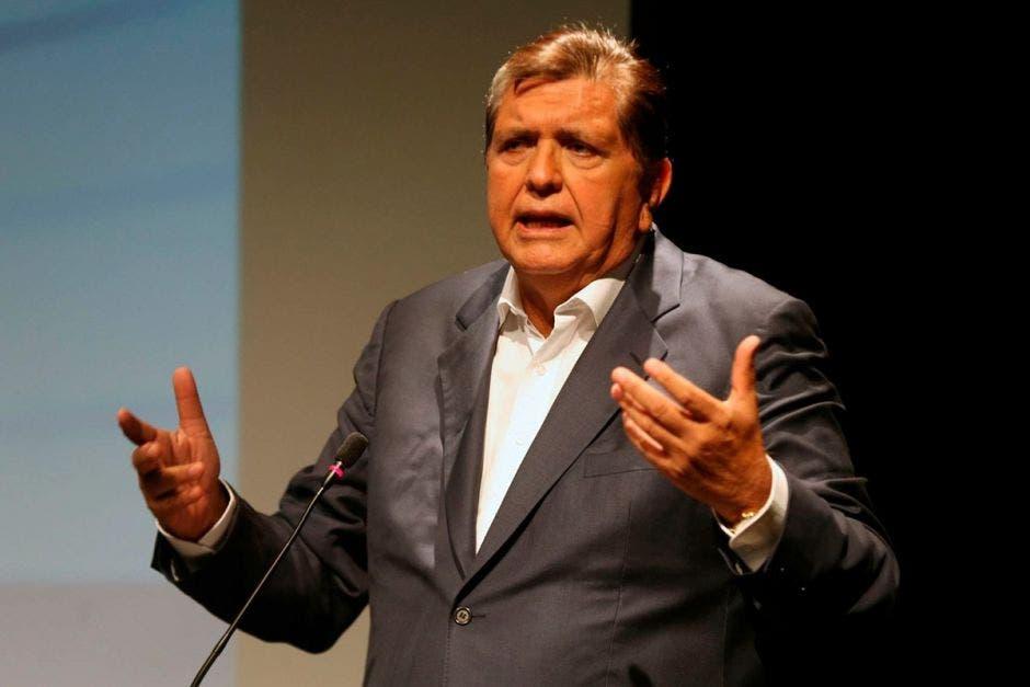 Ministerio de Salud peruano confirma que Alan García, exmandatario de dicho país, se encuentra en condición delicada tras propinarse a sí mismo un disparo en la cabeza. AméricaTV/La República
