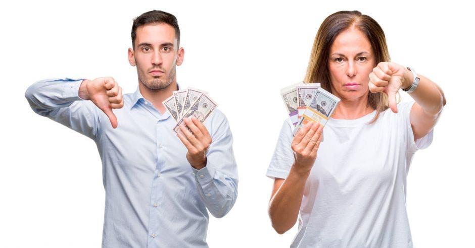 Crédito en dólares se desinfla