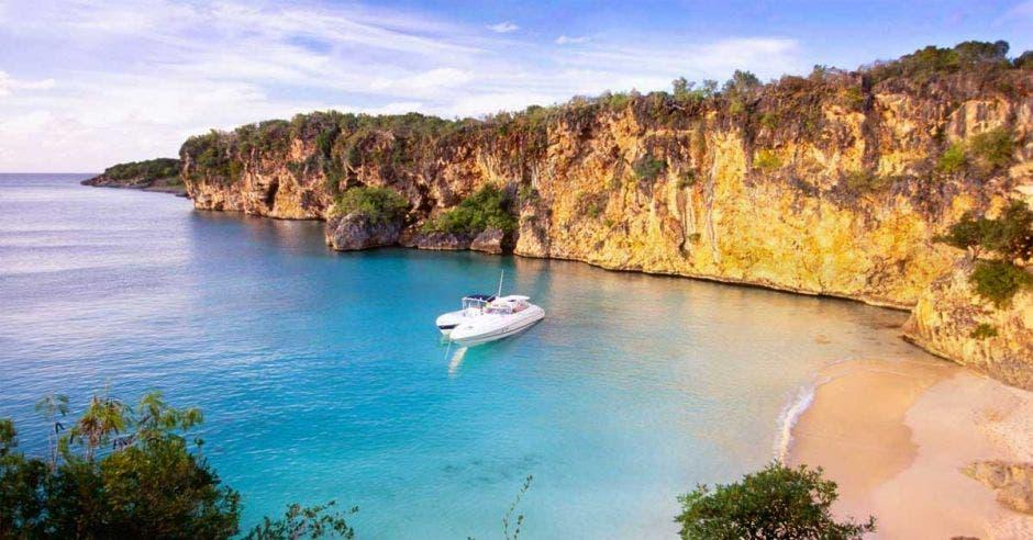 Anguilla es de los sitios menos visitados pero con mejores playas. Anguilla/La República