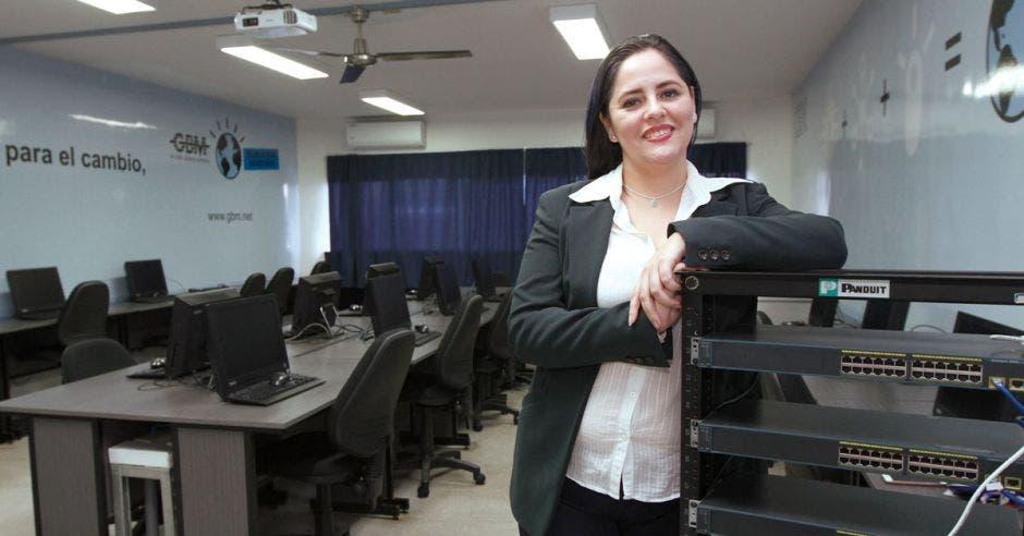 Paula Brenes, de la Universidad Cenfotec