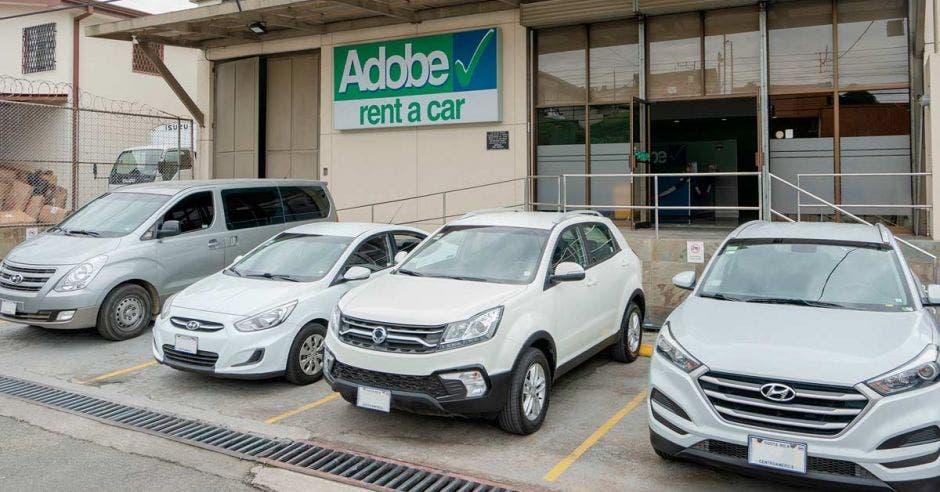 La flotilla de Adobe Total Fleet está compuesta por más de 2 mil vehículos
