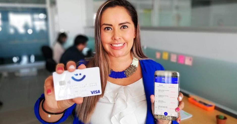 """""""Esta innovación llegó para atender las necesidades financieras de las personas que buscan servicios 100% digitales"""", dijo Diana Vargas, gerente de Mercadeo de Wink. Cortesía/La República"""