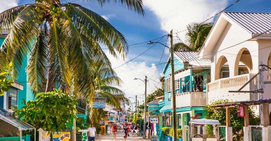 Calle Playa Asunción, en Belice
