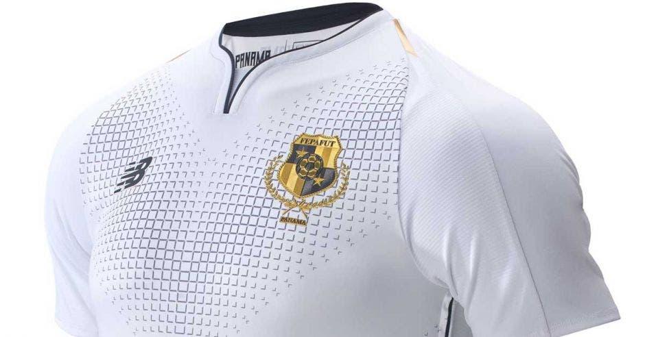 Camiseta se vende en Panamá a $80. Fepafut/La República