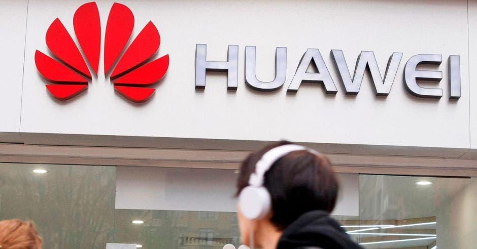 foto de logo de huawei