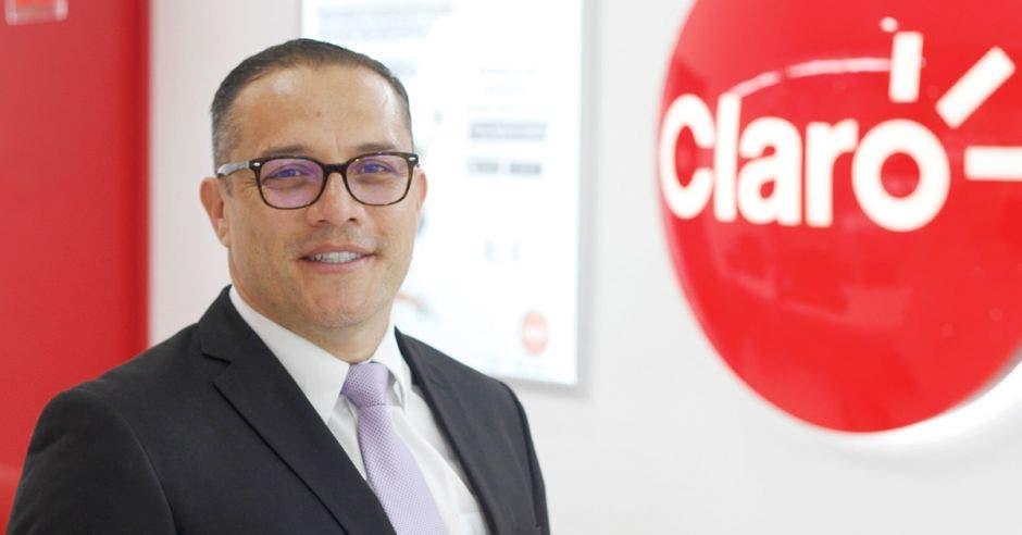 Oscar Chacón de Claro