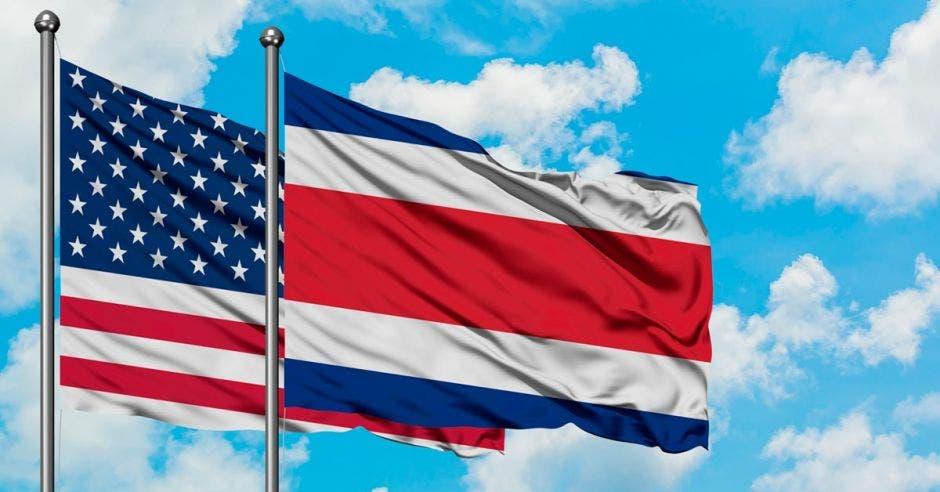 banderas de Costa Rica y EEUU