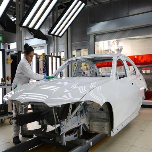BMW respalda producción en México frente a aranceles de Donald Trump