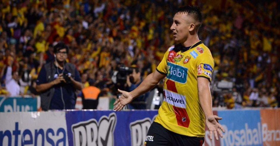 Antonio Pedroza se rebeló con la decisión de Jafeth
