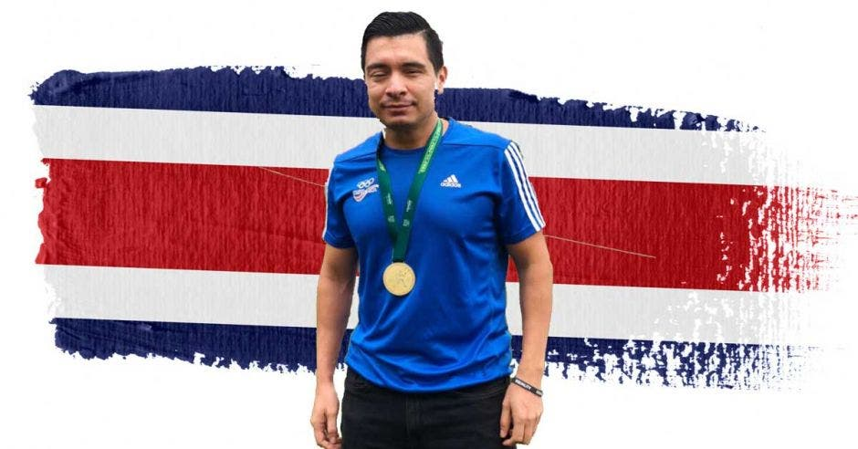 Henry Quirós ganó oro (T-11  Discapacidad visual Total) en 100 metros planos. Cortesía/La República