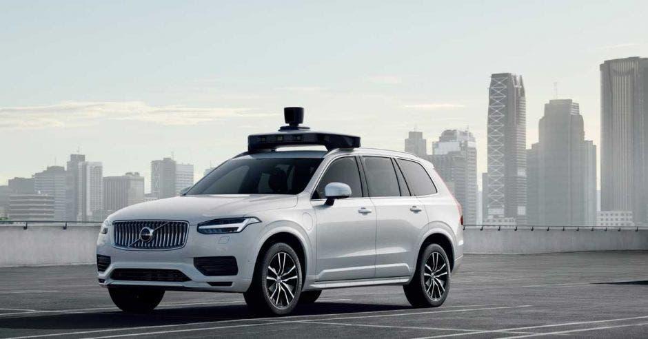 Este Volvo XC90 es un prototipo construido para la entrega de decenas de miles de autos de base autónomos listos para conducir en los próximos años. Uber/La República