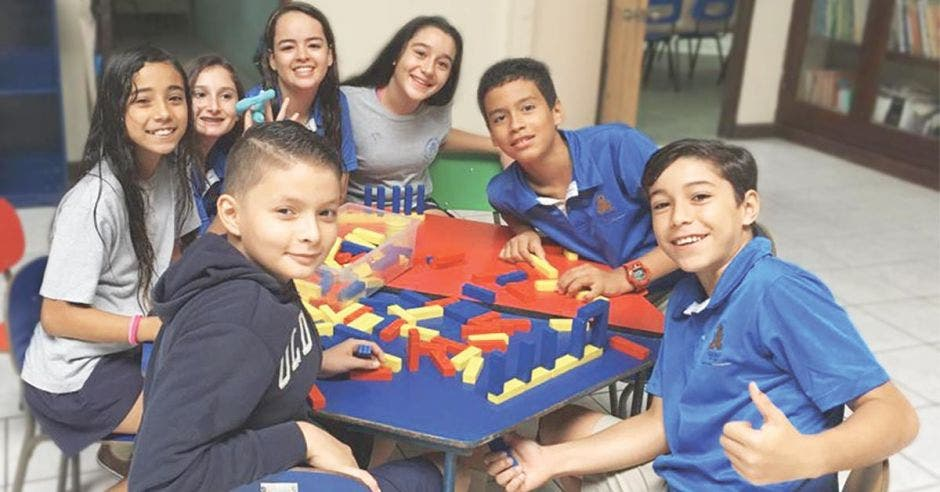 Un grupo de estudiantes de Teocali